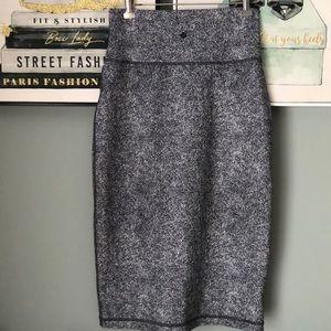Lululemon high waisted skirt size 6 brand new